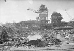Kiel 1945 - Die Werft