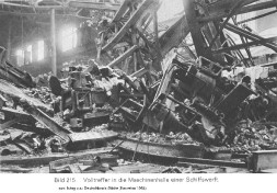 Kiel 1945 - Zerstoerte Werft