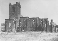 Kiel 1944 - Ruine der Nikolaikirche II