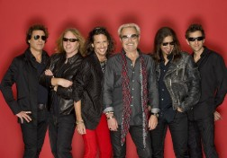 Foreigner - Tour 2010