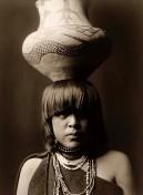 Indianer-Wassertraegerin