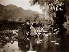 Taos-Kinder