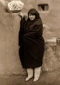 Zuni-Frau
