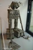 Roboter aus Pappe